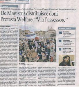 Cronache di Napoli De Magistris distribuisce doni per la befana