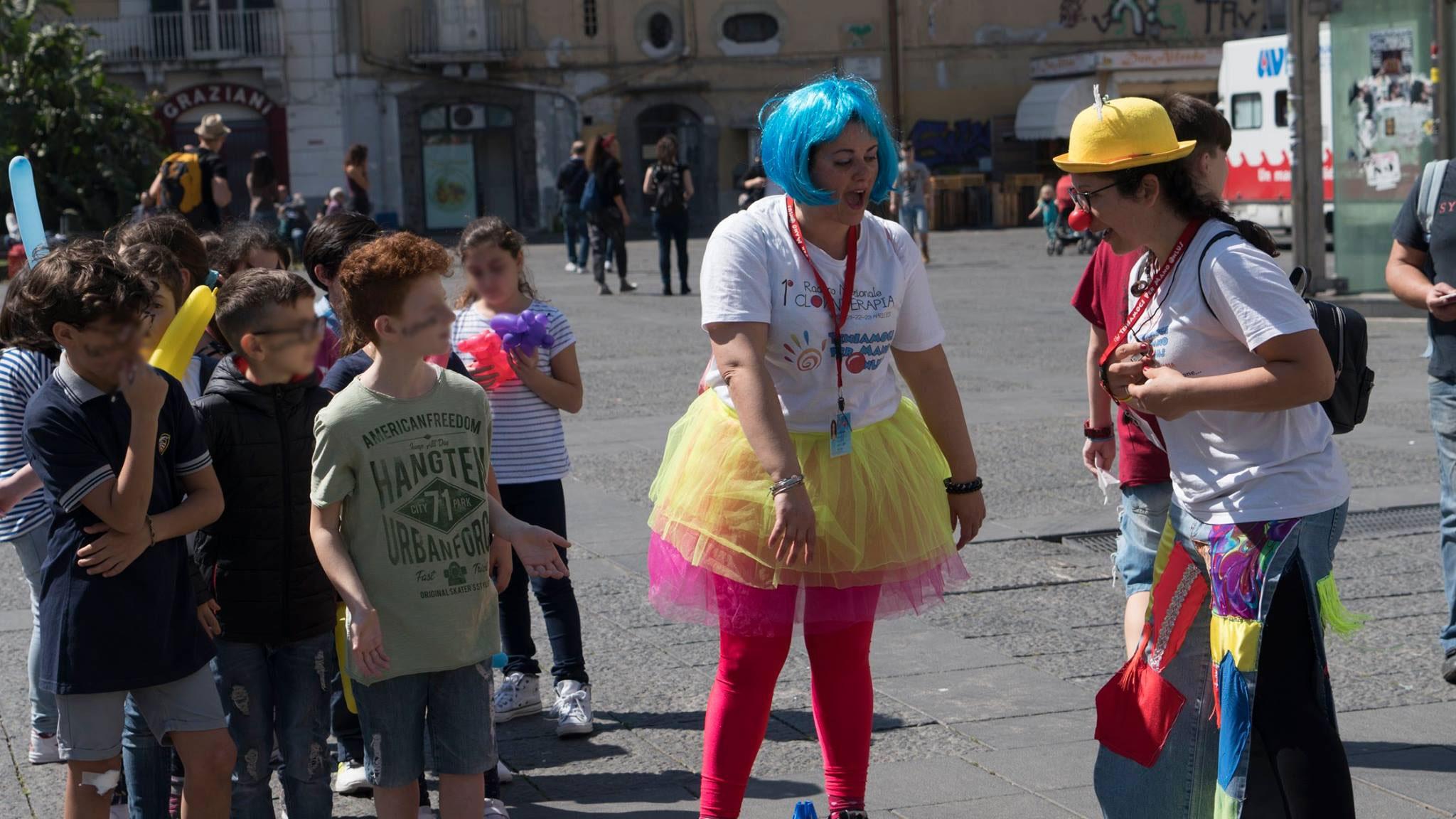 Volontari alla Festa del Sorriso a Napoli